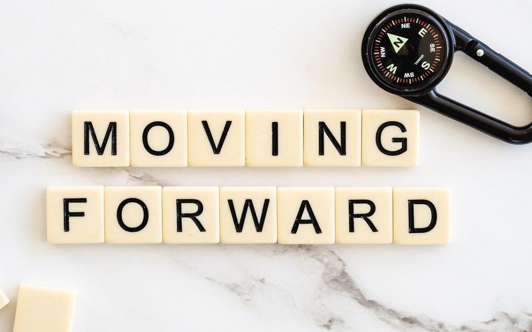 Moving Forward Move Ahead Progress  - bluehouseskis / Pixabay